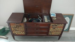 Zenith Console Record Player with Radio in Kingwood, Texas