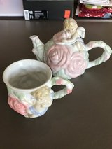 Avon tea pot and cup - cherub in Fort Campbell, Kentucky