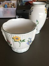 Tiffany & Co flower pot and vase in Fort Campbell, Kentucky