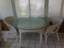 Patio/Sunroom Table w/Chairs in Glendale Heights, Illinois