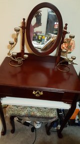Make up Vanity in Fort Campbell, Kentucky
