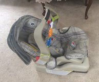 Baby Carrier & Car Seat in Fort Lewis, Washington
