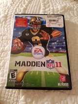 Madden NFL 11 (Nintendo Wii) in Glendale Heights, Illinois