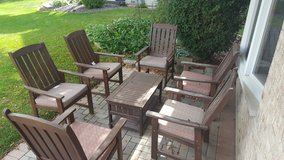 Patio set ( wood ) in Naperville, Illinois