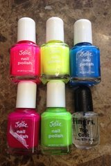 NEW JUSTICE girls nail polish set, 5 piece neon colors & 1 top coat! in Batavia, Illinois