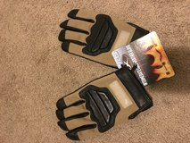 Paladin gloves new size large in Fort Irwin, California