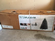 Christmas tree 7.5 ft sectional in Travis AFB, California