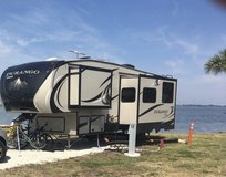 34' Fifth wheel bunkhouse - 2016 - like new! in Melbourne, Florida