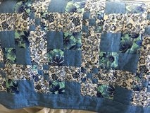 Amish made quilt in Bartlett, Illinois