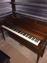Piano in Glendale Heights, Illinois