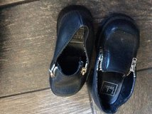 Toddler size 6 black shoes in Chicago, Illinois