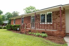 Charming house located in a great community, just inside city limits of Pink Hill, NC in Camp Lejeune, North Carolina