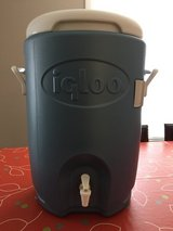 NEW Igloo 5 Gallon Seat Top Cooler in Schaumburg, Illinois
