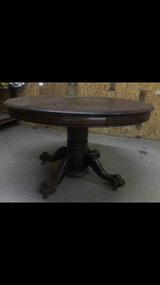 Antique table in Perry, Georgia