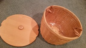 Longaberger Hostess Corn Basket with Protector and Lid in Glendale Heights, Illinois