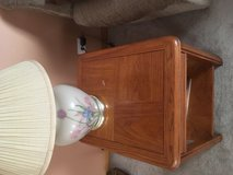 End table with 2 lamps in Waukegan, Illinois