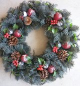 BERRY PRETTY WREATH in St. Charles, Illinois