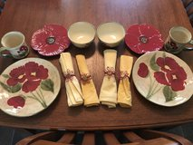 16 piece red poppy floral dishes set in Warner Robins, Georgia