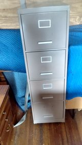 4 drawer file cabinet with wheels in Louisville, Kentucky