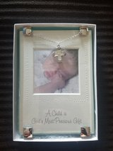 Picture Frame & Necklace in 29 Palms, California