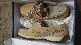 tan Sperry top sider worn once 7.5 in Naperville, Illinois
