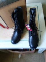 Mens new Boots size. 10 1/2. New in Beaufort, South Carolina