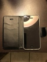 UNLOCKED iPhone 5 16GB Black w/ Leather Wallet Case in 29 Palms, California