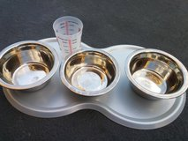 STAINLESS STEEL BOWLS in St. Charles, Illinois