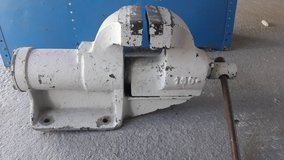 big bench vise industrial quality (very heavy) in Ramstein, Germany