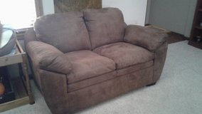 Loveseat in Ottumwa, Iowa