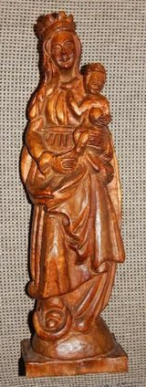 Hand Carved Wood Statue of Virgin Mary and Baby Jesus in Stuttgart, GE