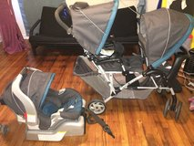 Graco Duo Glider GREAT CONDITION with baby car seat and base. in Columbus, Georgia