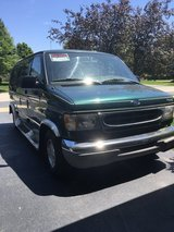 1999 Ford e-150 van in Naperville, Illinois