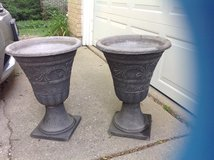 2 outdoor Urn style planters in Bartlett, Illinois