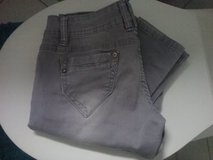 grey stretchy jeans small size in Baumholder, GE