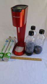 Sodastream Genesis G100 Gorgeous RED with 2 Co2 Tanks & 3 Bottles - CLEAN! in Joliet, Illinois