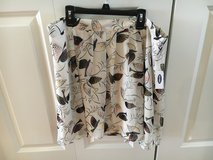 NWT Large Skirt in Sugar Grove, Illinois