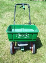 Scotts Lawn Spreader in Oswego, Illinois