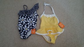 NEW Gymboree Girls Swimsuits 4t in Bartlett, Illinois