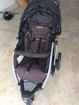 Graco stroller- pending pick up in Naperville, Illinois