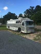 1964 Bus Conversion in Leesville, Louisiana