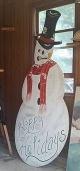 7 1/2 ft Frosty the snowman in Ottumwa, Iowa