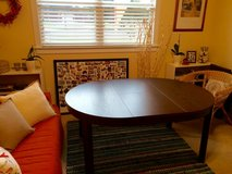 Round dining table, expandable in Fort Rucker, Alabama