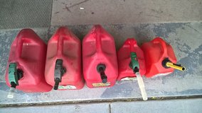 5 gas cans in Travis AFB, California