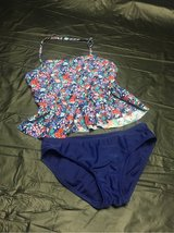 Old Navy Girls XL 14-16 swimsuit in Glendale Heights, Illinois