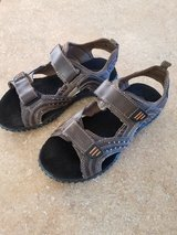 Boys brown sandals size 2 1/2 in Naperville, Illinois