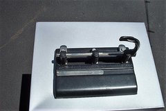 3 HOLE PAPER PUNCH in Bartlett, Illinois