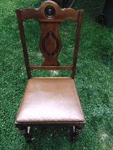 Nice Vintage Chair in Oswego, Illinois