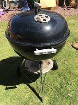 Weber grill 22 inches in Fort Irwin, California