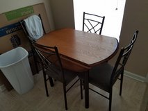 Kitchen table with 4 chairs in Cadiz, Kentucky